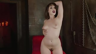 Curvaceous cutie wold boots plays with herself
